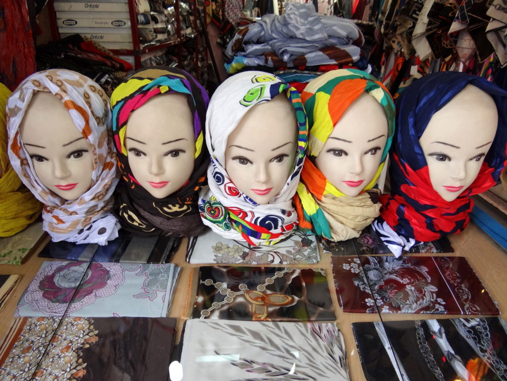 Women's Headscarves on Display / Adam Jones, Ph.D./Global Photo Archive/Flickr